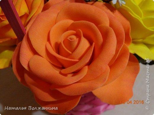Корзинка с розами и гипсофилой фото 4