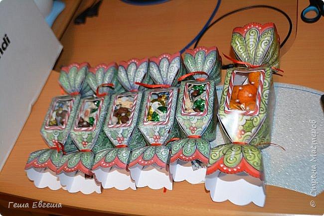 И опять опаздалочка, по той же причине, что и варежки, делала вот такие конфетки коллегам по работе, в колличестве 33 штук. фото 1