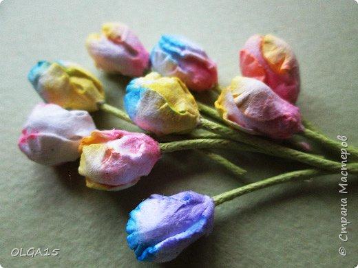 Добрый вечер, дорогие мастера и мастерицы! Хочу поделиться с вами этапами изготовлением мелких  бумажных цветов.  Мы сделаем три вида цветов: маленькие тюльпаны, белые цветы и простые мелкие цветочки. На этом фото - белые цветы и тюльпаны.  фото 20