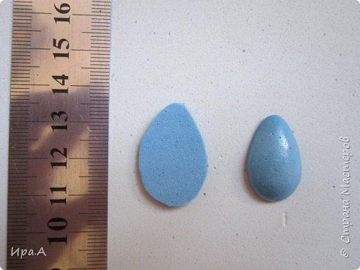 Думала,из чего сделать легкие половинки яиц для магнитов и открыток, и пришла идея сделать их из фома.  фото 2