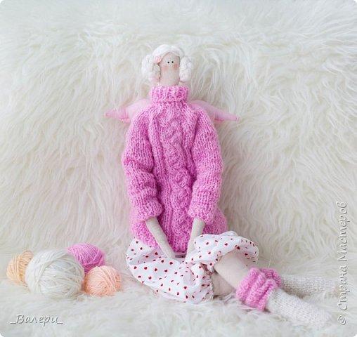Кукла Флёр - очень яркая и милая. Необычный, яркий подарок порадует Вашу подругу, а может стать отличным подарком для Вашей девушки. Кукла выполнена из натуральных материалов , может сидеть (ножки в колене сгибаются), тело сшито из плотного 100% хлопка фото 10