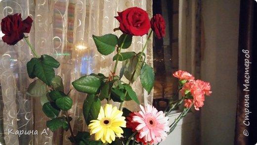 Здравствуйте! Сегодня мне исполнилась 15 лет! Ох, и забросали меня цветами! 50 штук! Это мое фото 3