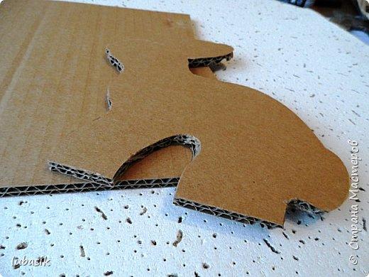 Выставляю обещанный МК подставки для салфеток из гофрокартона, как мне подсказала Юленька - из раздетого картона.Это вторая моя подставочка, очень понравилось их делать. фото 4