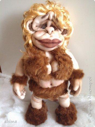 Давно загорелась идеей сшить обезьянку, начала еще в том году, думала к Новому году сделаю,но возникли проблемы со здоровьем, потому закончила работу только сейчас. Выношу на Ваш суд свою Амазонку :) фото 1