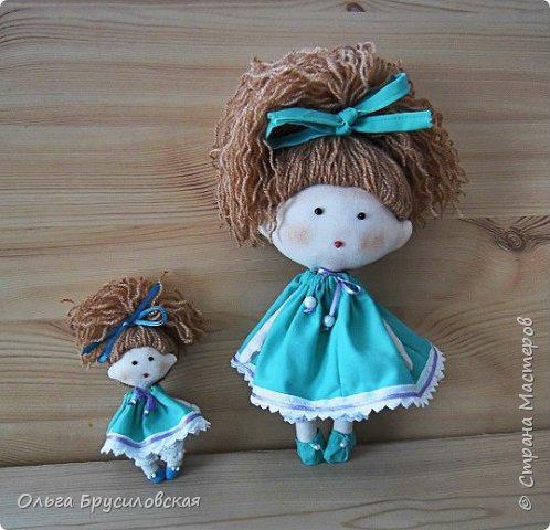 Привет всем в СМ! В моем кукольном семействе пополнение. Опять малышки (20см) Это - малышка в клетчатом. фото 4