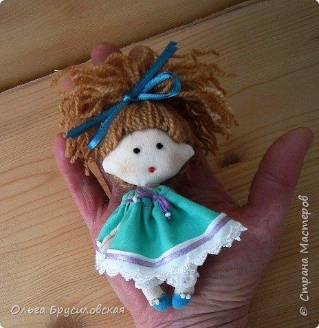 Привет всем в СМ! В моем кукольном семействе пополнение. Опять малышки (20см) Это - малышка в клетчатом. фото 3