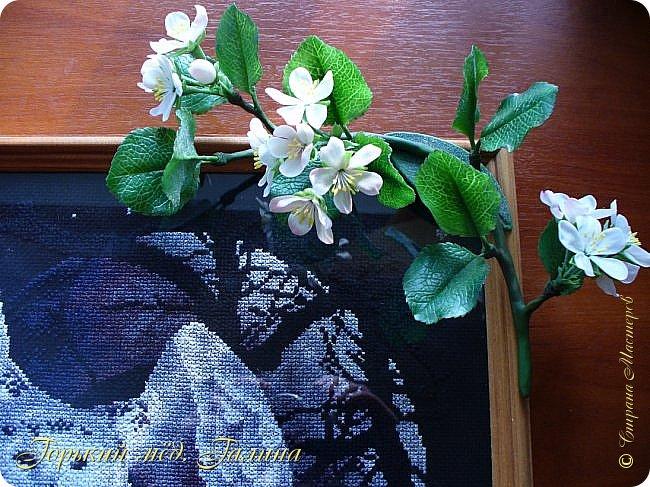 Доброго времени жители Страны Мастеров! Всё так же продолжаю учиться лепке цветов из полимерной глины. Что получается лучше, а что то не очень))  Роза примерно 45 см высота, диаметр цветка около 10 см. Не шедевр, но симпатичная) фото 22