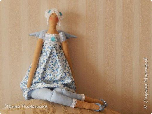 Здравствуйте! Как всегда пошила сразу две куклы,выкройка одна, но куклы получились  разные: отличаются не только  элементами отделки, но и характером фото 1