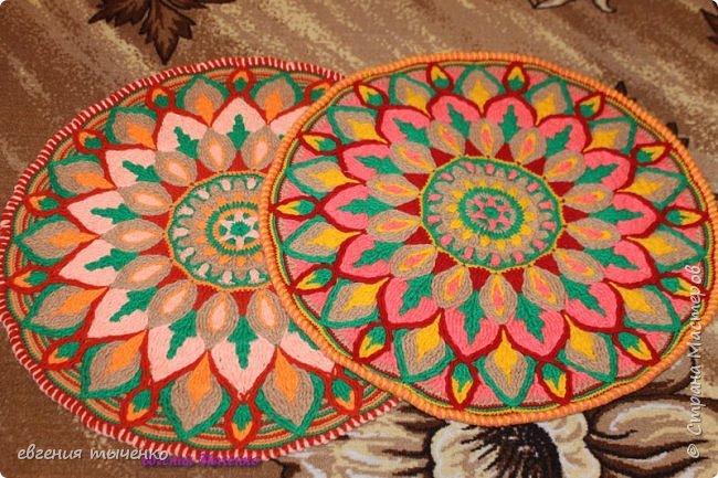 "Коврик"" Георгин "", связан в технике Overlay Crochet, размер 72 см, нитки акрил, мастер класс тут http://www.liveinternet.ru/users/5915568/post388641388/# фото 4"