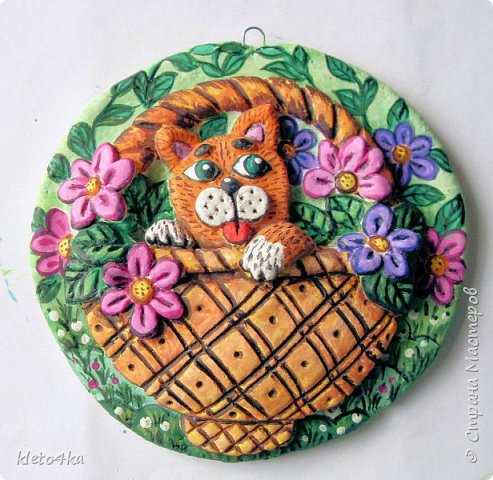 Круглое панно с котиком и цветами фото 14
