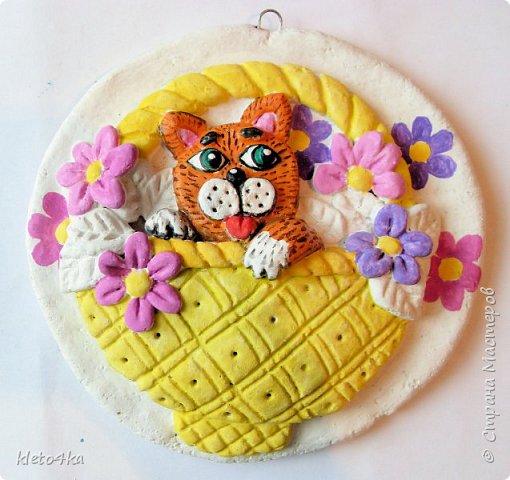 Круглое панно с котиком и цветами фото 8