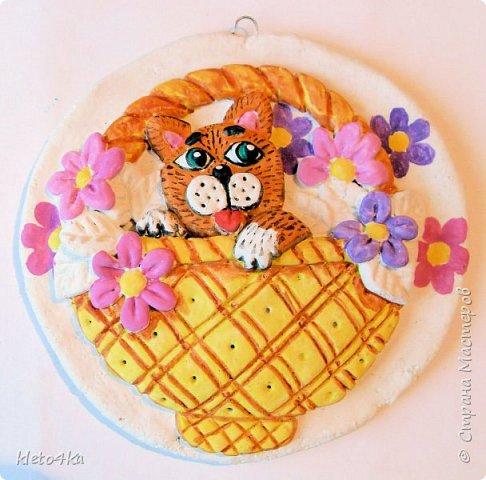 Круглое панно с котиком и цветами фото 9