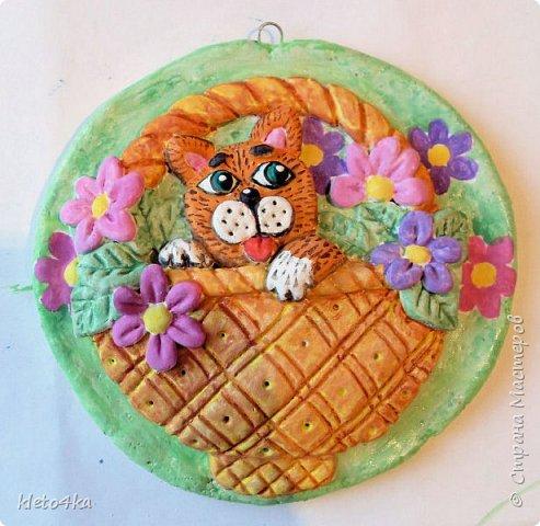 Круглое панно с котиком и цветами фото 10