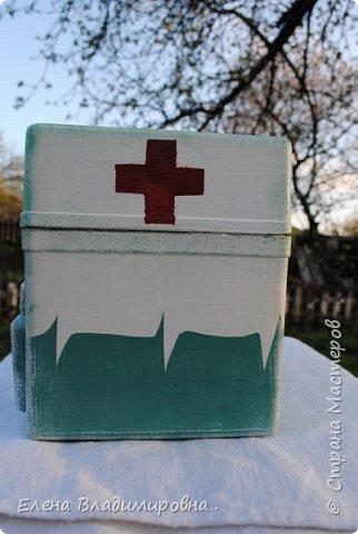 Эта коробка очень сложная(какая то военная ) . Непонятный пластмасс ,не хочет шкурится ,грунтоваться и тому подобное . Натерла я мозоли  ! фото 4