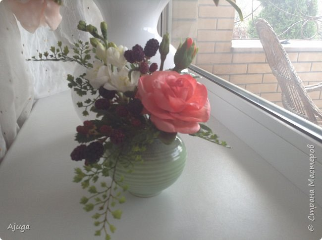Композиция  с розой, ежевикой и фрезией. ХФ. фото 12
