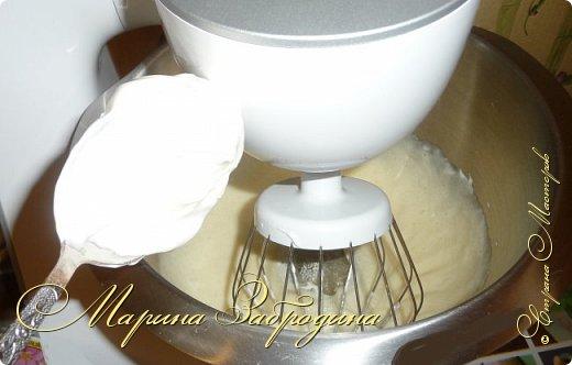 Привет ВСЕМ! Сегодня поделюсь рецептом еще одного тортика. Вкусный шоколадный бисквитный корж и сливочный мусс с черносливом. фото 4
