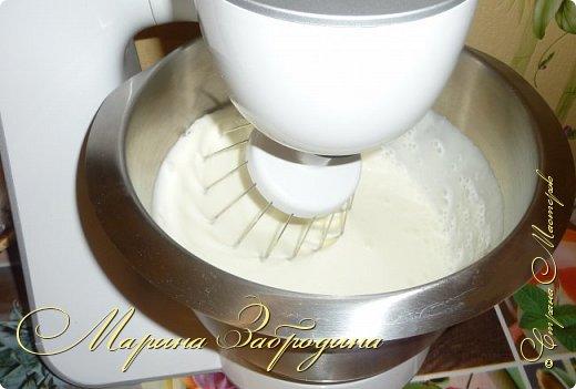 Привет ВСЕМ! Сегодня поделюсь рецептом еще одного тортика. Вкусный шоколадный бисквитный корж и сливочный мусс с черносливом. фото 13