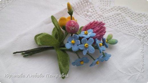 Букетик летних полевых цветов. Брошь. Шерсть. фото 1