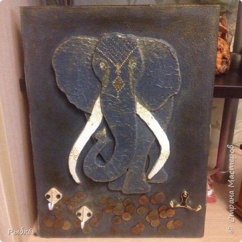 Наконец то я сделала Слона по мастер классу Дановы http://stranamasterov.ru/node/925635#comment-13600847. Очень мне понравился её слоник, вот наваяла своего.
