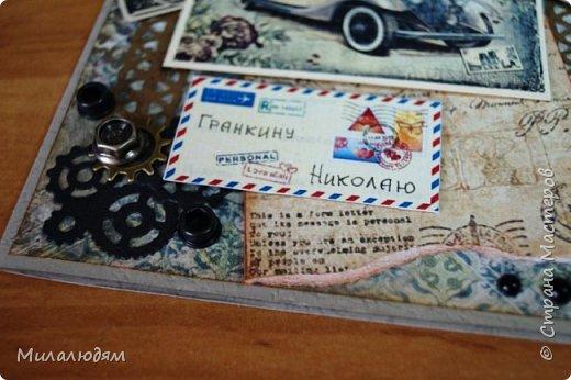 Всем здравствуйте! Я сегодня к вам с мужской открыткой. недавно увидела открытку  Анны Бояринцевой  и меня покорили теги-конверты и как они расположены. http://stranamasterov.ru/node/1017853  Захотелось повторить, а тут и повод есть - День рождения у друга и кума одновременно. Открытки Ани перед глазами не было, делала по памяти. И вот что у меня навертелось. фото 5