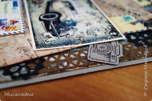 Всем здравствуйте! Я сегодня к вам с мужской открыткой. недавно увидела открытку  Анны Бояринцевой  и меня покорили теги-конверты и как они расположены. http://stranamasterov.ru/node/1017853  Захотелось повторить, а тут и повод есть - День рождения у друга и кума одновременно. Открытки Ани перед глазами не было, делала по памяти. И вот что у меня навертелось. фото 6