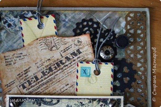 Всем здравствуйте! Я сегодня к вам с мужской открыткой. недавно увидела открытку  Анны Бояринцевой  и меня покорили теги-конверты и как они расположены. http://stranamasterov.ru/node/1017853  Захотелось повторить, а тут и повод есть - День рождения у друга и кума одновременно. Открытки Ани перед глазами не было, делала по памяти. И вот что у меня навертелось. фото 20