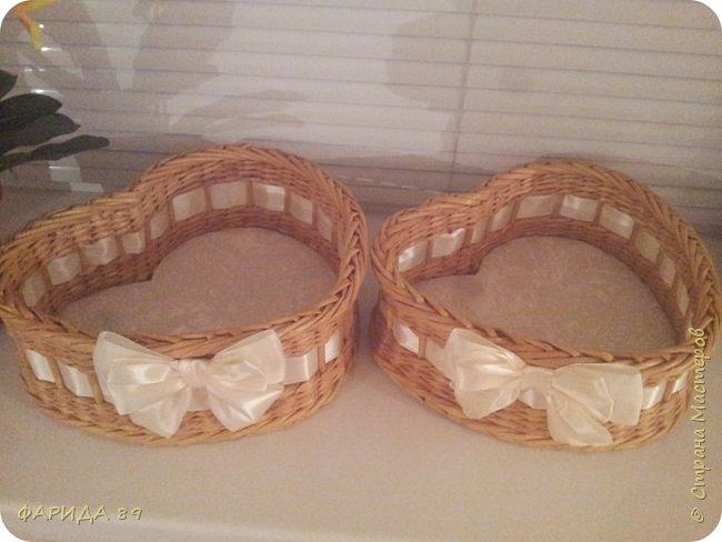 Здравствуйте, всем, кто ко мне заглянул)) вот сплелись две корзинки в форме сердец на подарок) рада буду, если Вам понравится) фото 2