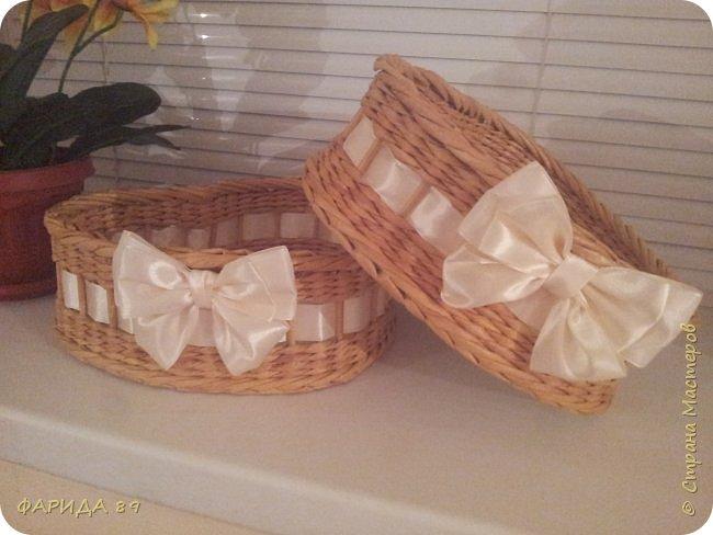 Здравствуйте, всем, кто ко мне заглянул)) вот сплелись две корзинки в форме сердец на подарок) рада буду, если Вам понравится) фото 3