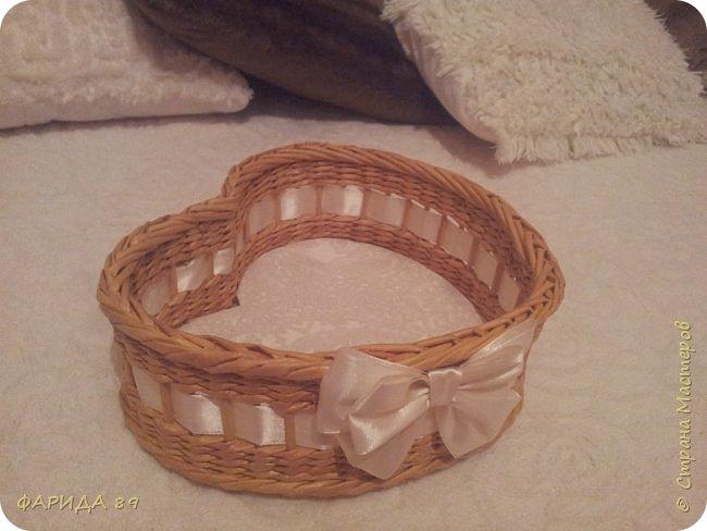 Здравствуйте, всем, кто ко мне заглянул)) вот сплелись две корзинки в форме сердец на подарок) рада буду, если Вам понравится) фото 4
