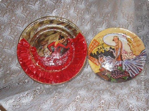 Подобных тарелок в интернете много, уж очень интересная идея. Правую тарелку делала по МК http://stranamasterov.ru/node/360387, левую по аналогии. фото 12