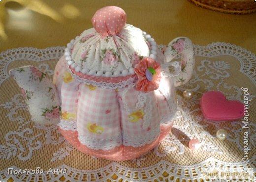 """Текстильный чайник """"Нежный"""" станет замечательным подарком, послужит шкатулочкой для чайных пакетов, конфеток, бижутерии или других мелочей, а также может быть необычной упаковкой для небольшого подарка. фото 1"""
