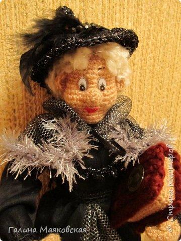 Доброго времени суток всем! Представляю свою новую  куклу - такую бабульку-ведьмочку с волшебной книгой.  фото 2