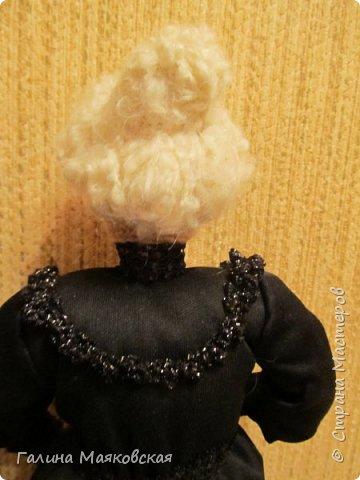Доброго времени суток всем! Представляю свою новую  куклу - такую бабульку-ведьмочку с волшебной книгой.  фото 4