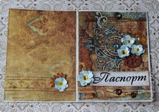 Всем здравствуйте!Вот такую открытку я сделала в прошлом году,а вспомнила о ней и решила показать вам,т.к. моя коллега,тоже очень творческий человек,призналась.что ей нравится эта открытка и стиль Стимпанк и хочется ей обложечку на паспорт в похожем стиле.Сотворила я обложку и решила вам показать её и открытку-вдохновительницу заодно. фото 8