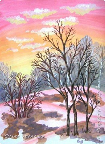 Вот и пришла весна. Весна – это время пробуждения природы от долгой зимней спячки. Теплые лучи солнца съедают последние россыпи снега. Под деревьями и в поле зазвенели веселые ручейки. Набухшие почки наполняют воздух упоительным ароматом.   Из-под талого снега пробивается зеленая травка. В проталинах появились первые весенние цветы .   Весна идет, всевластная царица! Журчат ручьи, ломают реки лед, И к нам в окошко, вербою стучится И птичий стаей режет небосвод.  Уже звенят весенние капели, И воздух полон запахом весны, Забыты ныне злобные метели, И солнца греют жаркие лучи.  Среди проталин и сухих травинок, На горке где зимой катались мы, Среди камней, среди грязи и льдинок. Расцвел подснежник, как слеза зимы.                                                       /Дьякова О.С. - Ольга Уралочка/  Вот и мне хочется предложить вашему вниманию МК весенний пейзаж. Работа может быть выполнении как людьми с опытом рисования, так и новичками . Поэтапное рисование- поможет избежать затруднений свойственных новичкам. Работа выполняется без предварительного рисунка. Нам понадобятся: гуашь ватман формата А-3. , нейлоновые кисти под номерами 2 , 3 ,5.  фото 21