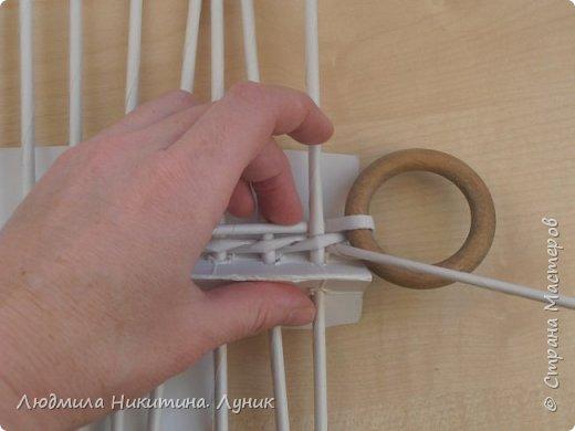 Привет Страна! Выполняю просьбу мастериц - выкладываю поэтапно плетение новой формы. Сразу оговорюсь, что размеры могут быть какими вам угодно. Это может быть даже большая напольная корзина.   фото 4