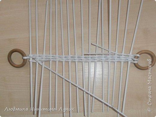 Привет Страна! Выполняю просьбу мастериц - выкладываю поэтапно плетение новой формы. Сразу оговорюсь, что размеры могут быть какими вам угодно. Это может быть даже большая напольная корзина.   фото 8