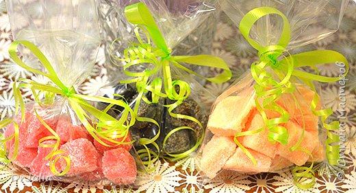 Научилась делать сахарный скраб для тела в виде мармелада.  И вот с таким подарком пошла на День рождения к своей тёте. фото 7