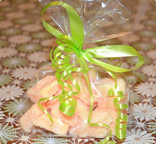 Научилась делать сахарный скраб для тела в виде мармелада.  И вот с таким подарком пошла на День рождения к своей тёте. фото 3