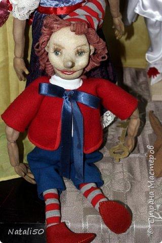Доброго всем вечера!! Хочу поделиться своими впечатлениями о выставке кукол!!  Проходит она в городе Серпухове.Очень интересные работы,замечательные мастерицы живут в этом городе!  Смотрите,любуйтесь!! фото 14