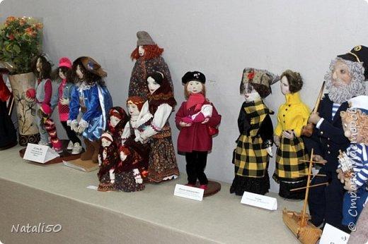 Доброго всем вечера!! Хочу поделиться своими впечатлениями о выставке кукол!!  Проходит она в городе Серпухове.Очень интересные работы,замечательные мастерицы живут в этом городе!  Смотрите,любуйтесь!! фото 25