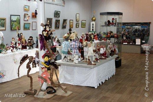 Доброго всем вечера!! Хочу поделиться своими впечатлениями о выставке кукол!!  Проходит она в городе Серпухове.Очень интересные работы,замечательные мастерицы живут в этом городе!  Смотрите,любуйтесь!! фото 1