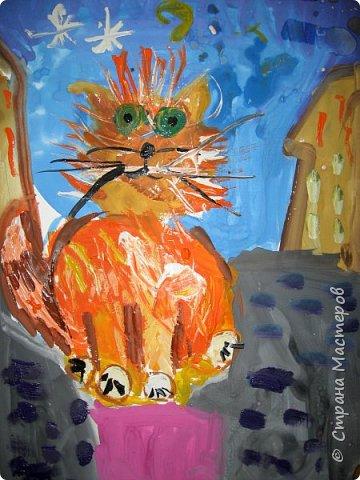 С учениками  (5-6 лет) рисовали кошек и собак разными материалами, вот результаты нашего творчества.  Первая работа моя, дальше детские, использовали для работы гуашь, шторы отпечатывали подложкой от продуктовой нарезки, произвольно рисовали на ней линии, наносили краску и делали отпечаток (можно использовать кусочки тюли или кружева). фото 10