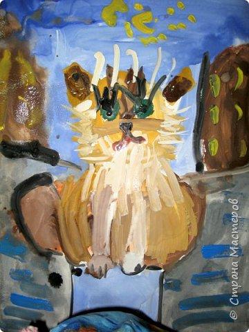 С учениками  (5-6 лет) рисовали кошек и собак разными материалами, вот результаты нашего творчества.  Первая работа моя, дальше детские, использовали для работы гуашь, шторы отпечатывали подложкой от продуктовой нарезки, произвольно рисовали на ней линии, наносили краску и делали отпечаток (можно использовать кусочки тюли или кружева). фото 11