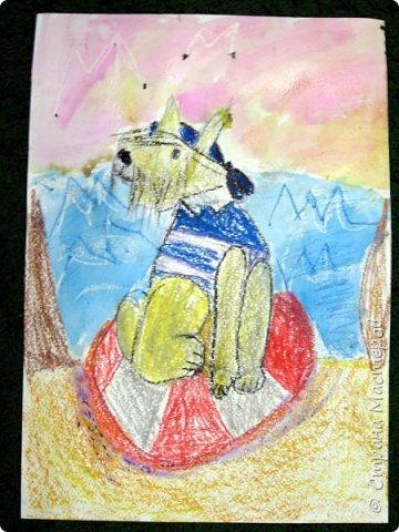 С учениками  (5-6 лет) рисовали кошек и собак разными материалами, вот результаты нашего творчества.  Первая работа моя, дальше детские, использовали для работы гуашь, шторы отпечатывали подложкой от продуктовой нарезки, произвольно рисовали на ней линии, наносили краску и делали отпечаток (можно использовать кусочки тюли или кружева). фото 19