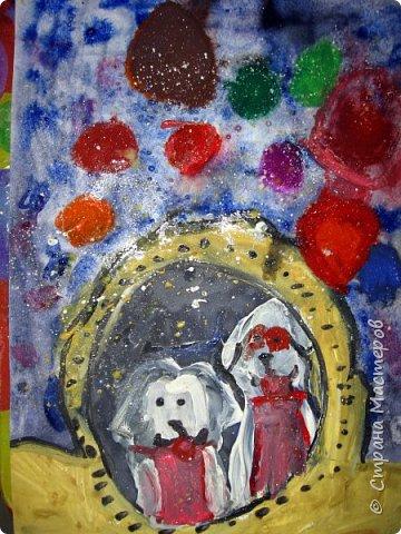 С учениками  (5-6 лет) рисовали кошек и собак разными материалами, вот результаты нашего творчества.  Первая работа моя, дальше детские, использовали для работы гуашь, шторы отпечатывали подложкой от продуктовой нарезки, произвольно рисовали на ней линии, наносили краску и делали отпечаток (можно использовать кусочки тюли или кружева). фото 32