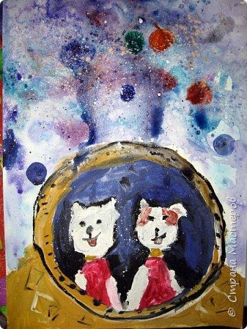 С учениками  (5-6 лет) рисовали кошек и собак разными материалами, вот результаты нашего творчества.  Первая работа моя, дальше детские, использовали для работы гуашь, шторы отпечатывали подложкой от продуктовой нарезки, произвольно рисовали на ней линии, наносили краску и делали отпечаток (можно использовать кусочки тюли или кружева). фото 31