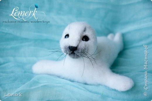 Белек Снежок. Валяная интерьерная игрушка. Тюлененок фото 2