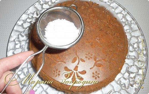 Всем привет! Сегодня готовлю шоколадно-медовый любимый тортик в моей семье. Пропитан сметанным кремом, торт получается прекрасный, вкусный, очень нежный и в меру сладкий. Приготовьте - не пожалеете) фото 23