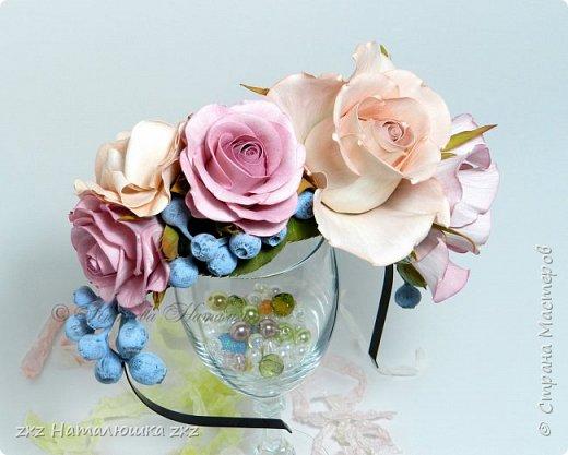 """Здравствуйте,дорогие Мастера и Мастерицы)!!Ох,как же давно я здесь не была...А за это время я,как и большинство)),успела """"заболеть"""" фоамираном))!!!И вот хочу показать вам свои розочки).Все розы сделаны из иранского фоамирана,тонировка масляной пастелью,стебли из полимерной глины,листья - фоамиран.Розочки делала по МК Александры Троицкой! фото 16"""